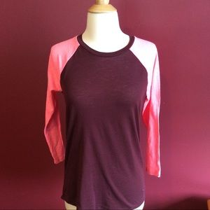 Pink maroon and neon pink tee Sz xs